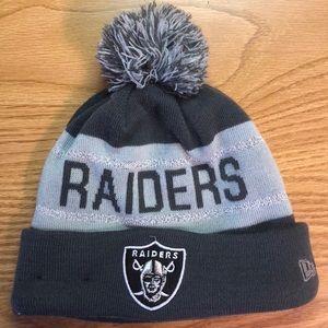 Oakland Raiders NFL New Era knit hat